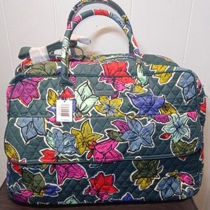 NWT Vera Bradley Grand Traveler in Falling Flowers
